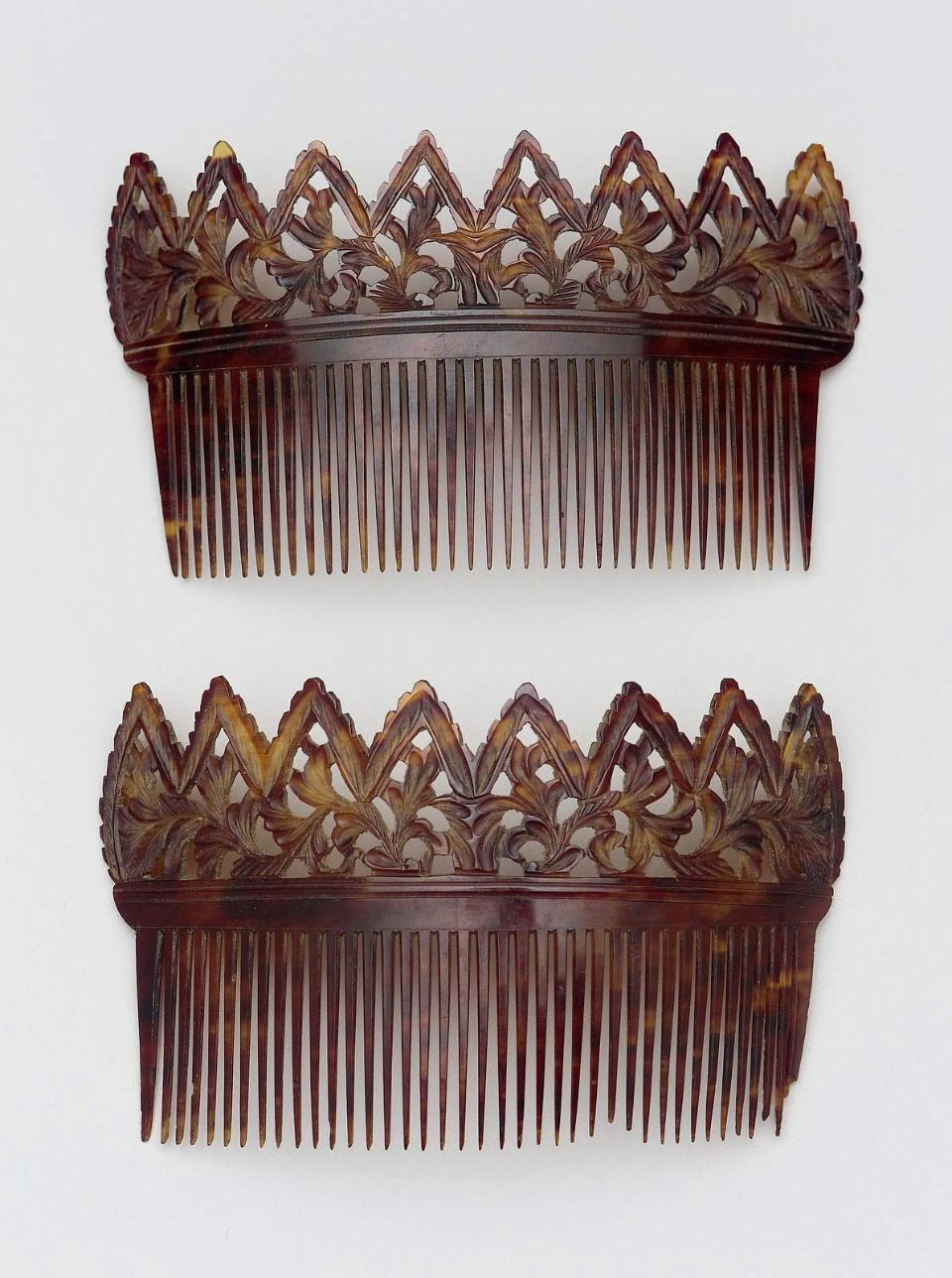 Comb (one of a pair)      American, 19th century