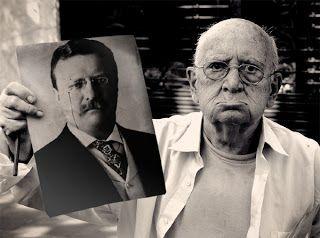 "CONSTITUCION WEB: ""El hombre en la arena"" Theodore Roosevelt (1910)"