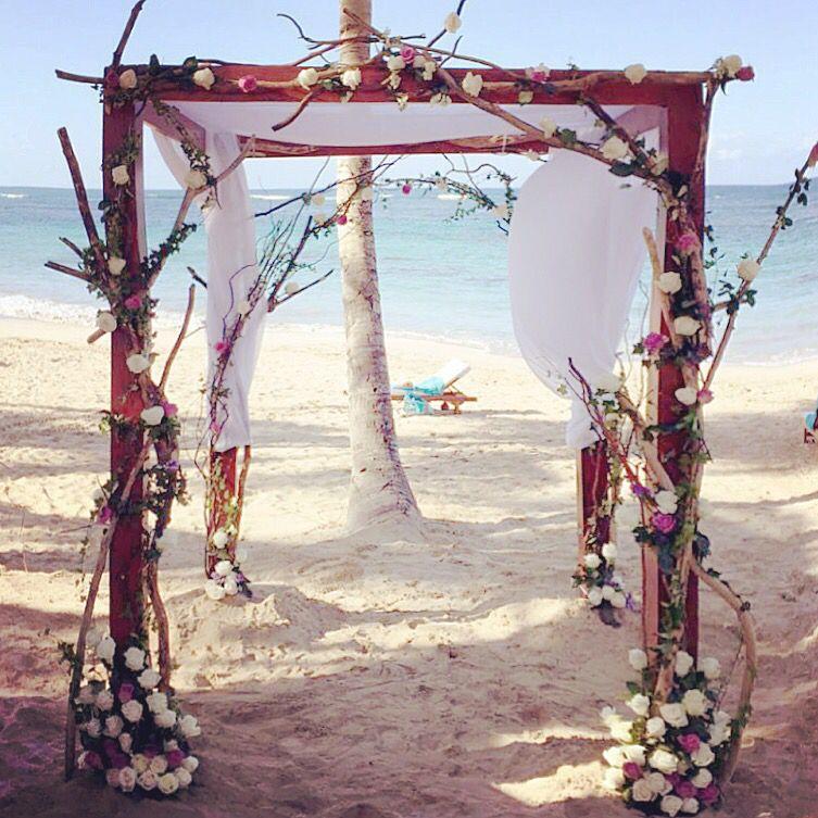 Adorable! Beach wedding ceremony