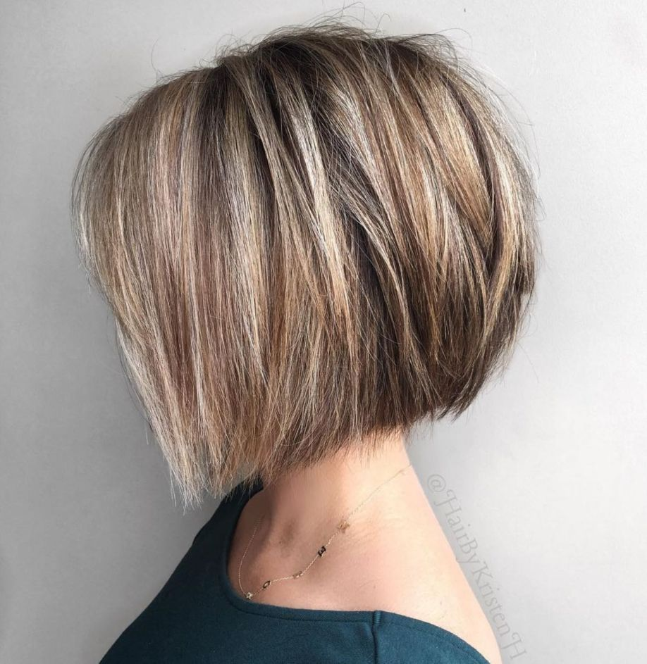 60 Classy Short Haircuts And Hairstyles For Thick Hair In 2020 Thick Hair Styles Haircut For Thick Hair Choppy Bob Hairstyles