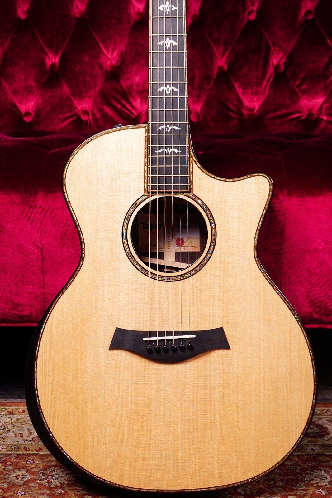 Taylor 914ce Grand Auditorium V-Class Electric Acoustic Guitar