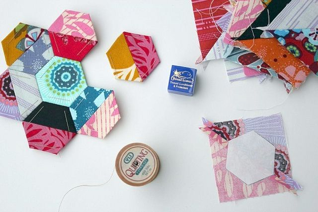 hexagons from 2 fabrics - Canoe ridge creations blog
