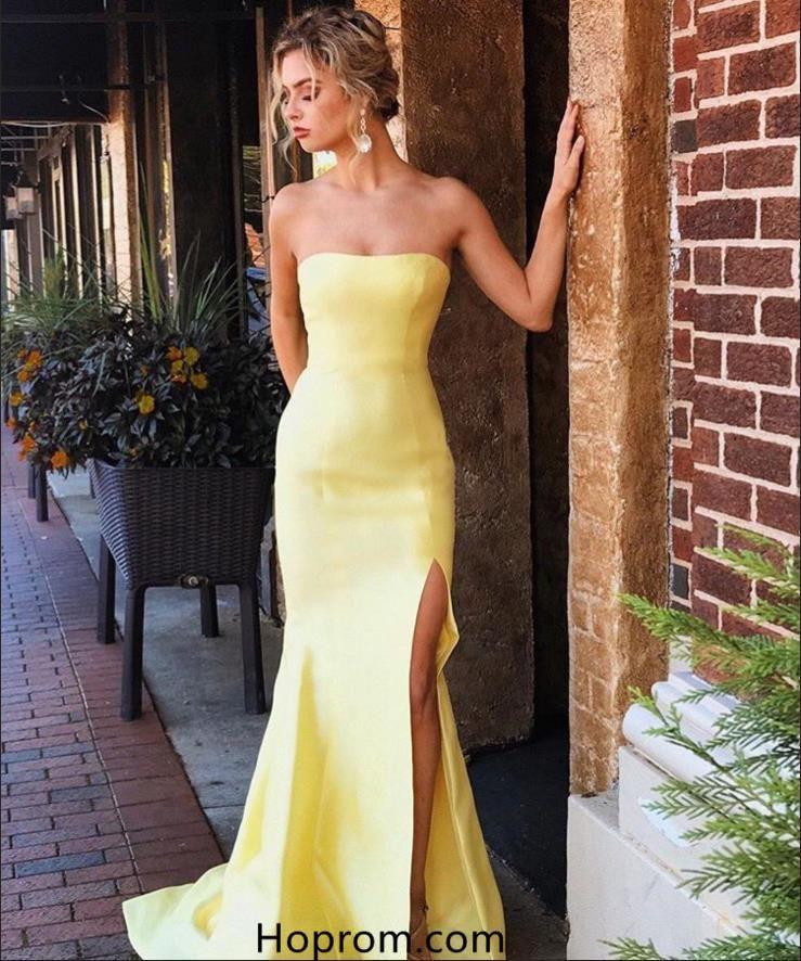 248a6087e5402 Charming White A-line Sequins Prom Dresses