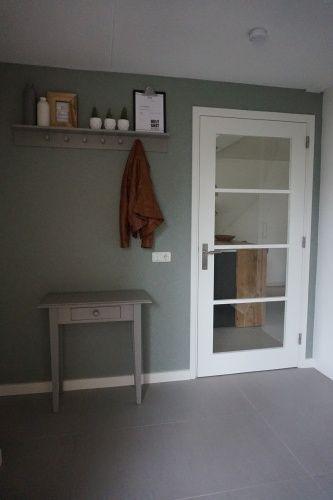 Entree   Hal   behang Kira Kwantum   Authentic Grey Flexa   groen   Woonblog by Flow Design   Home sweet home