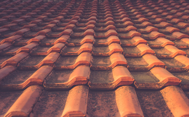 Clay Vs Concrete Roof Tiles Or Something Better In 2020 Concrete Roof Tiles Cool Roof Synthetic Roofing