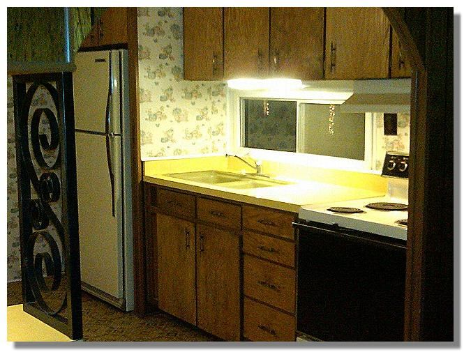 70s Mobile Home Kitchen Looks A Lot Like Ours When I Was A Kid Remodeling Mobile Homes Mobile Home Makeover Mobile Home Kitchen