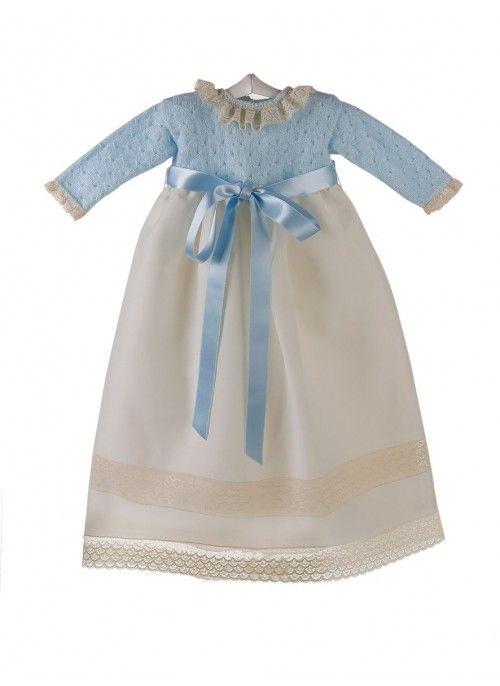 7563d2d83 Faldón de ceremonia y bautizo para bebé azul con cuerpo de lana y encaje de  Valencienne azul