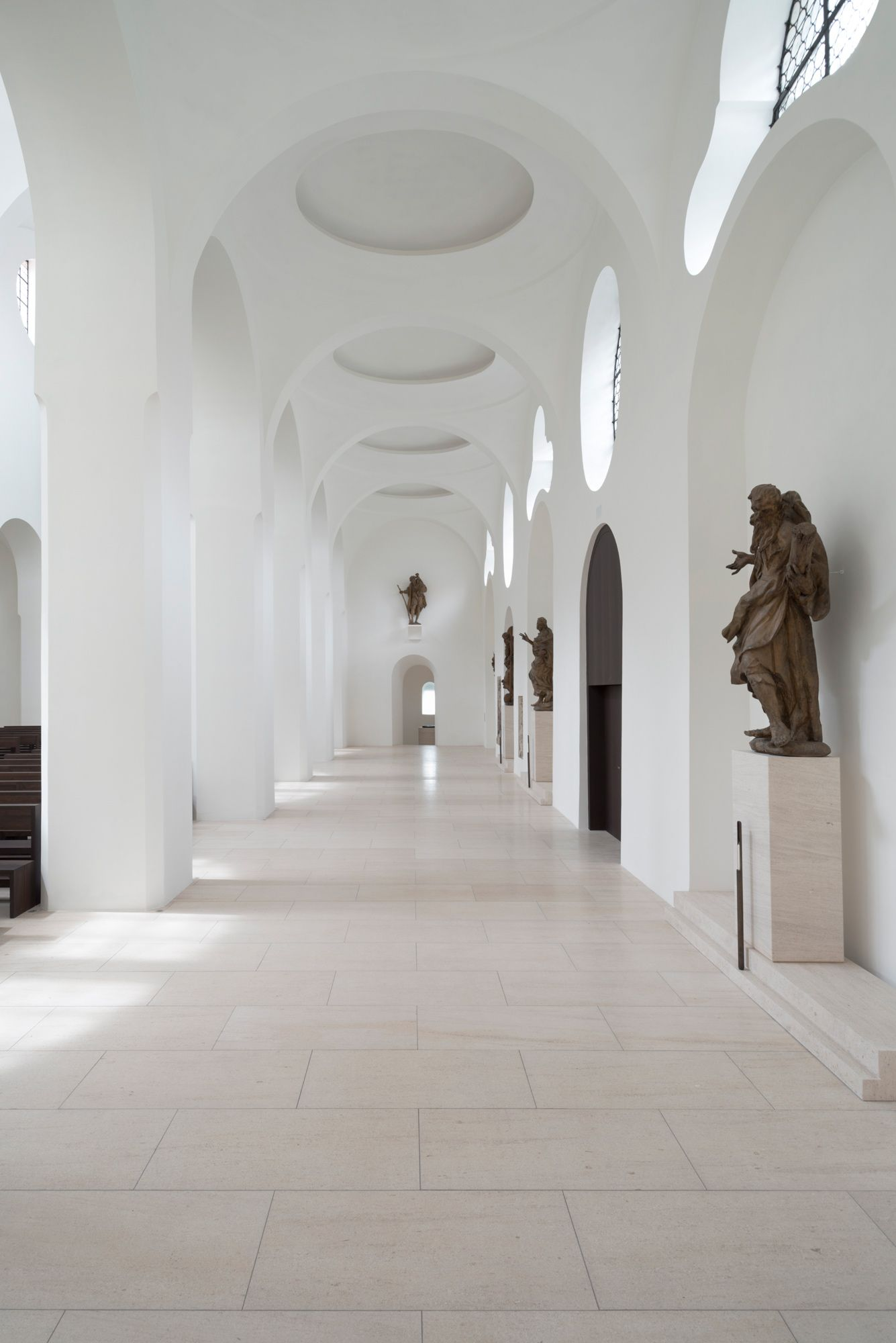 Moritzkirche by john pawson lovely light lovely minimal for Interior design augsburg
