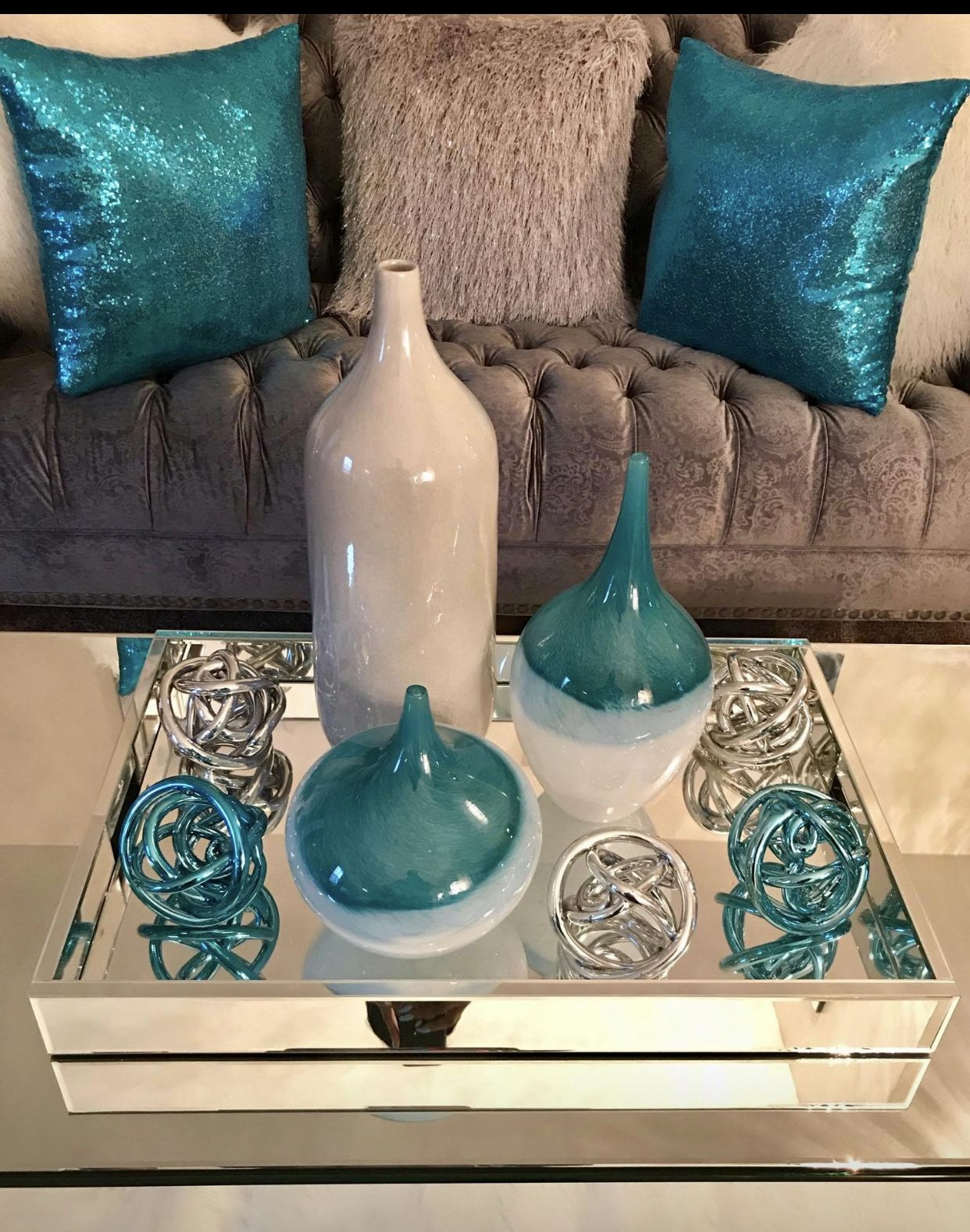 Teal Accents On Coffee Table Teal Living Room Decor Living Room