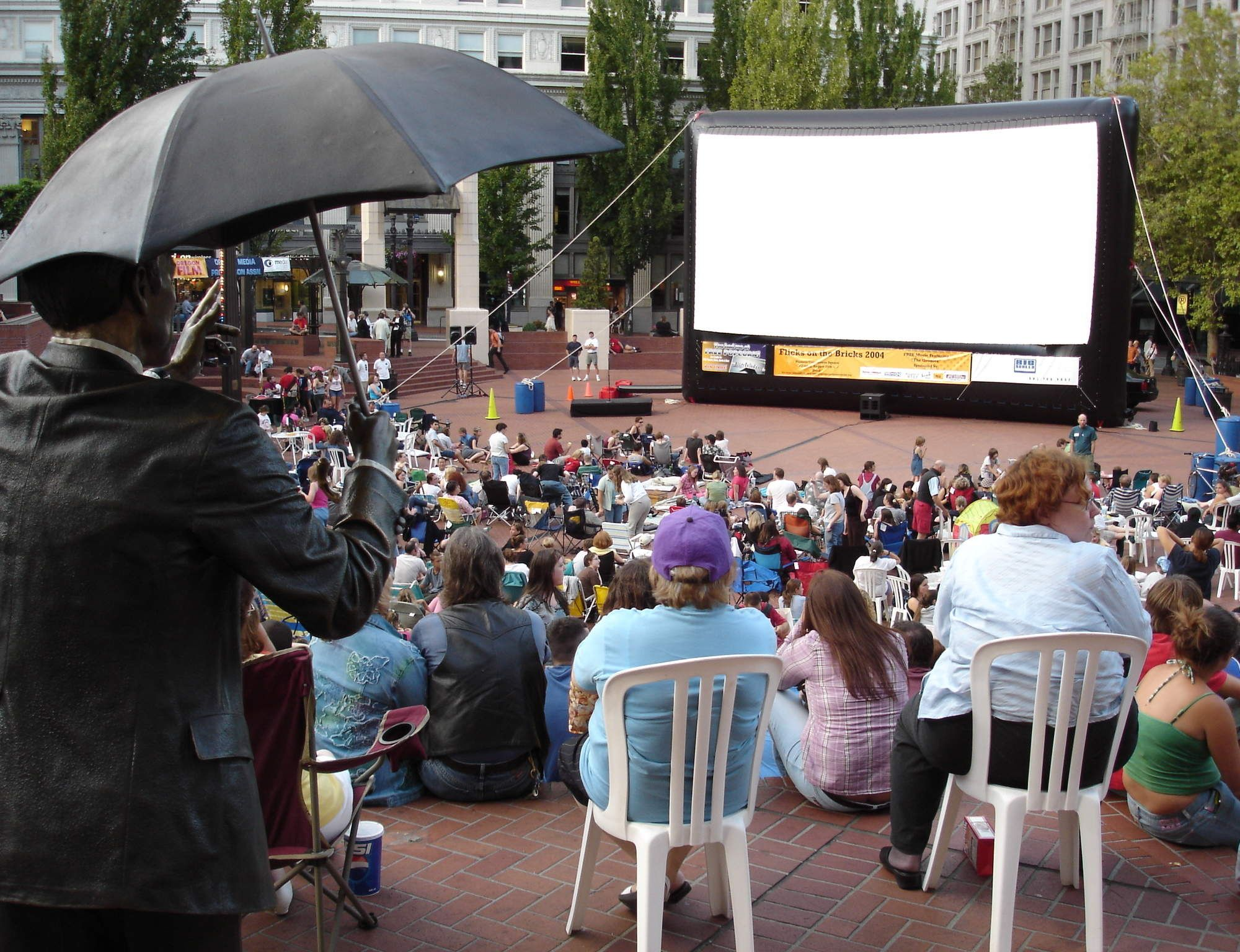 """Watch an outdoor movie Multiple locations Once the rain stops there are a number of great pop-up outdoor movie theaters to choose from. Our favorite? Top Down Cinema at Hotel deLuxe, a wine-filled """"drive-in"""" on the roof of a parking garage in Goose Hollow."""