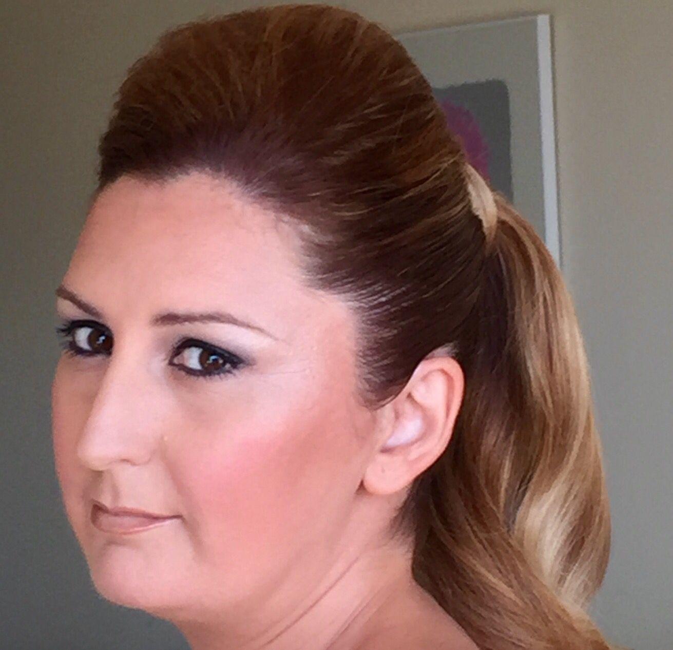 Maquillaje para hermana de la novia, piel muy cuidada y tratada con aerógrafo