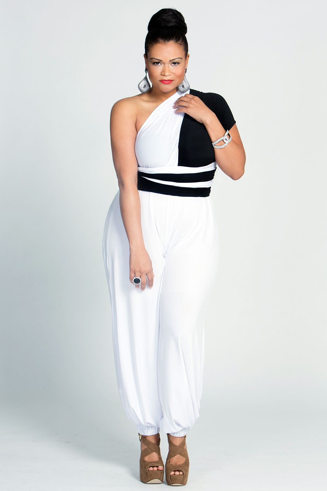 Collection Black And White Jumpsuit For Women Pictures - Reikian