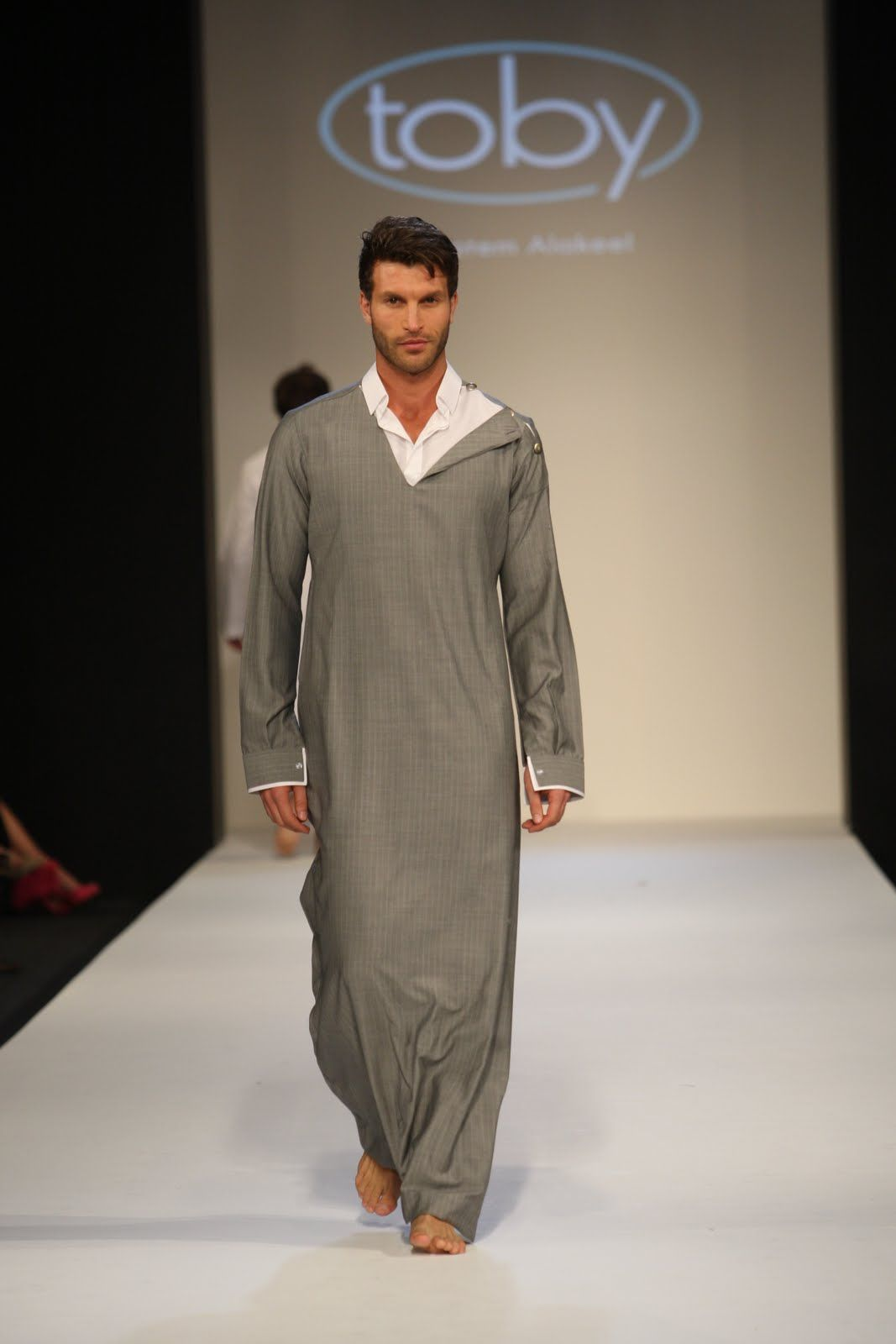 Fashion show nackt