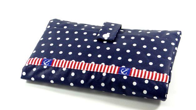 Windeltasche Wickeltasche dunkelblau mit weißen Punkten und Anker-Webband von Keko-Kreativ