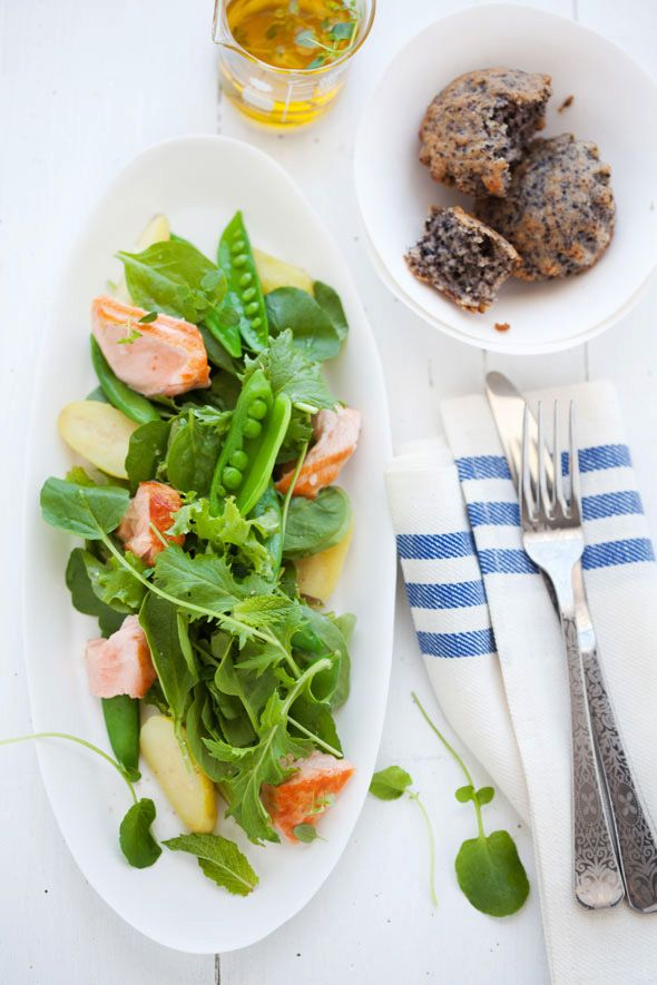 Poached Salmon, Snap Pea and Fingerling Potato Salad by canellevanille #Salad #Salmon #Potatoes #cannellevanille