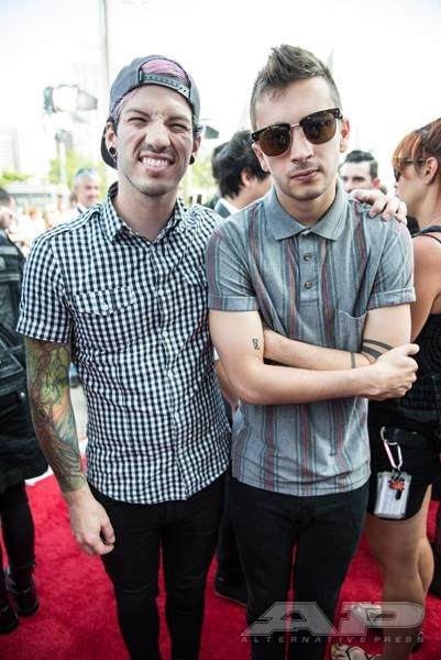 Walk The Red Carpet With This Exclusive Apmas Gallery Alternative Press One Pilots Twenty One Pilots Tyler And Josh