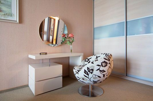 Best Modern Small White Dressing Table With Upholstered Chair 640 x 480