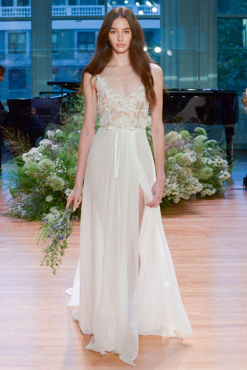 Uma noiva jovem e ingênua para Monique Lhuillier - Vogue | Desfiles