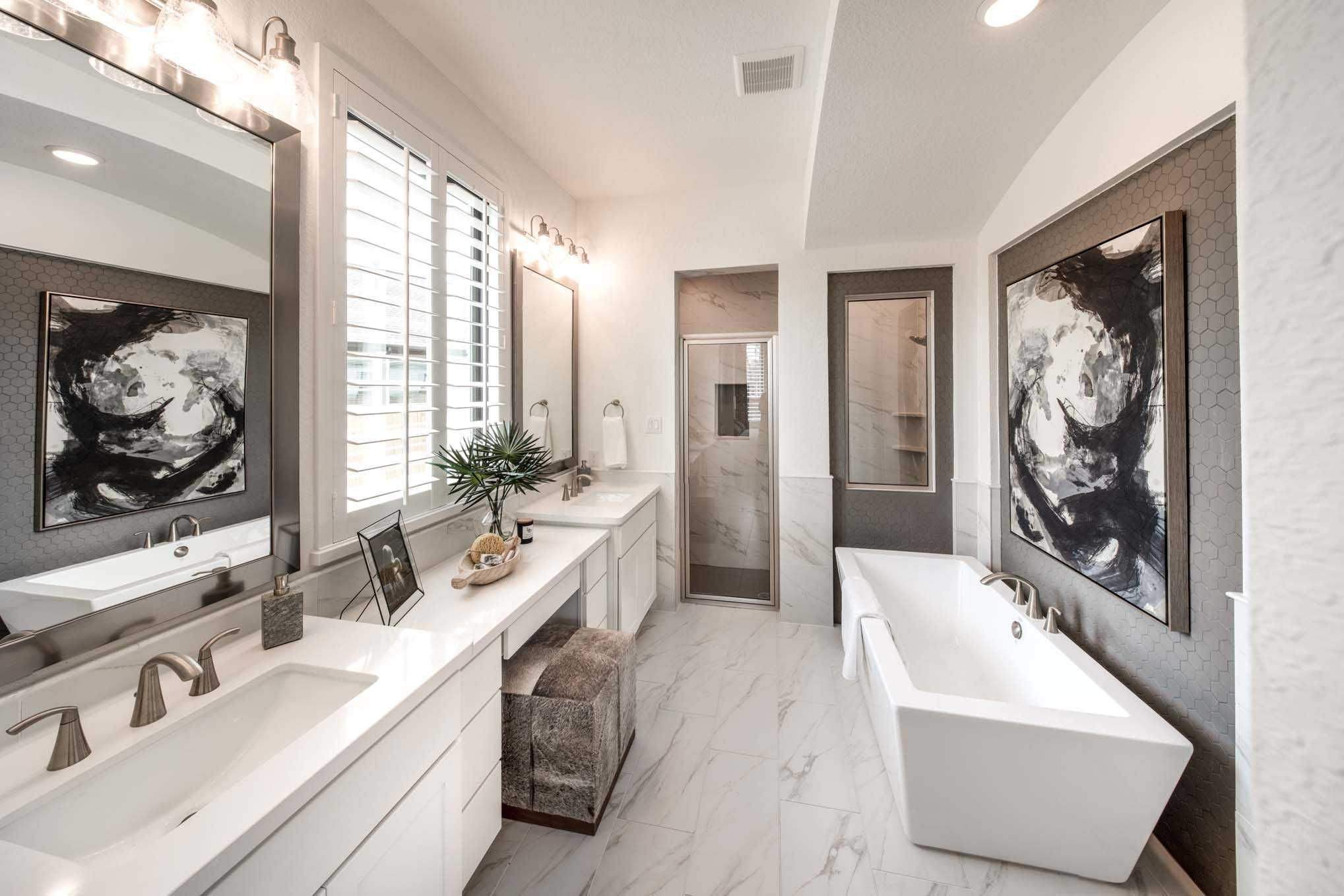 Master bathroom in highland homes 540 plan at 114 canary