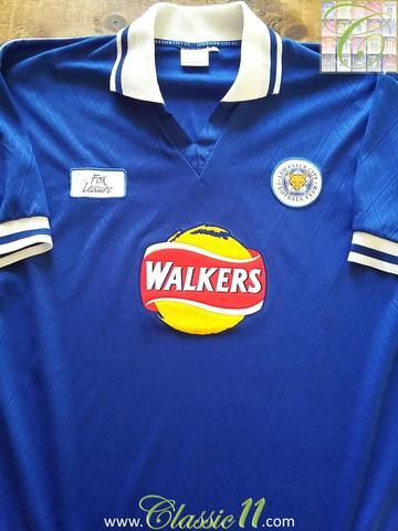 Relive Leicester City S 1998 1999 Season With This Original Fox Leisure Home Football Shirt In 2020 Football Shirts Classic Football Shirts Leicester City