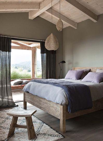 Maison contemporaine en bois en Corse Les couvre lit, Rideaux en