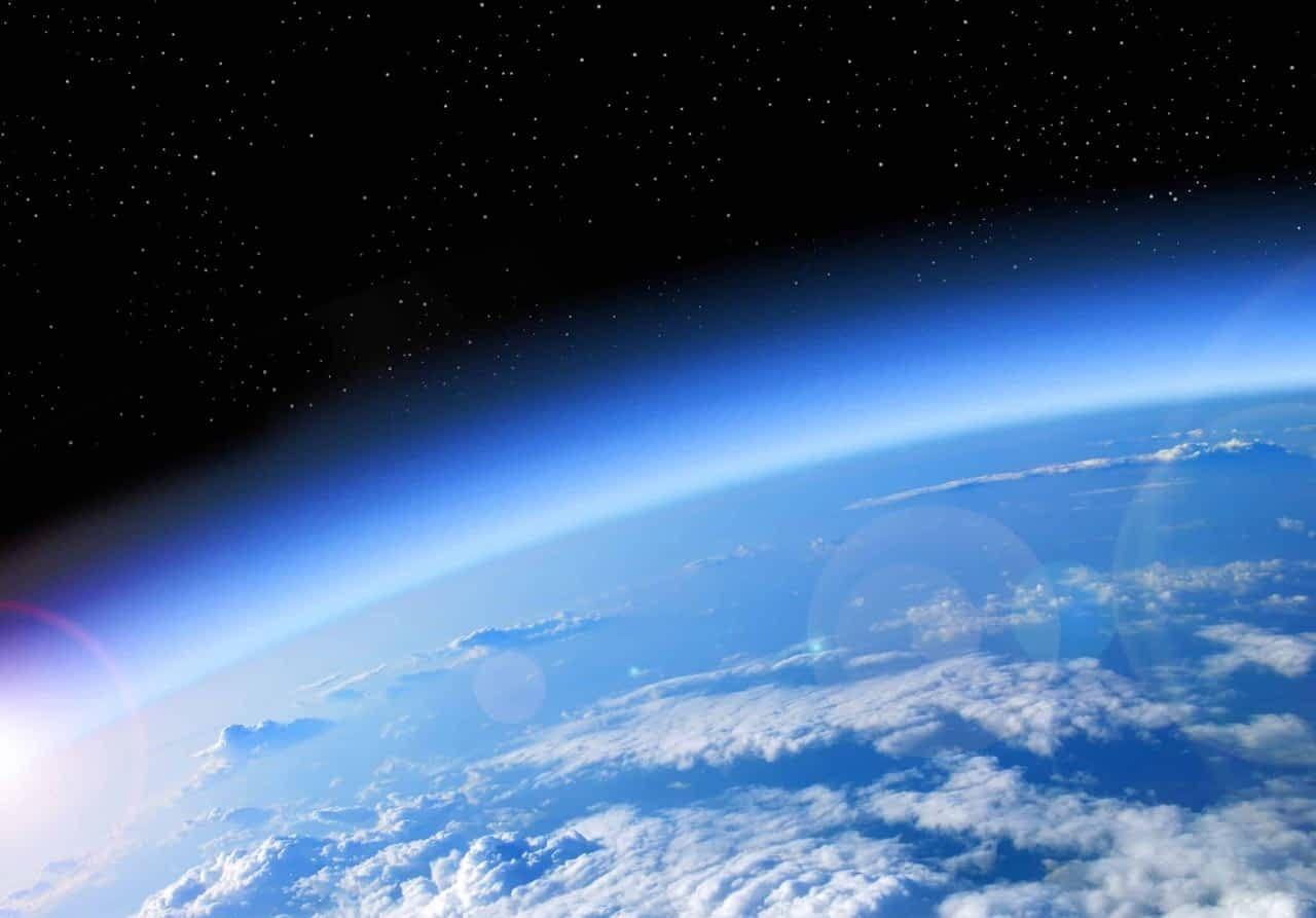 نهاية العالم أو بقاؤه ما هي طبقة الأوزون Earth Atmosphere Earth Earth From Space