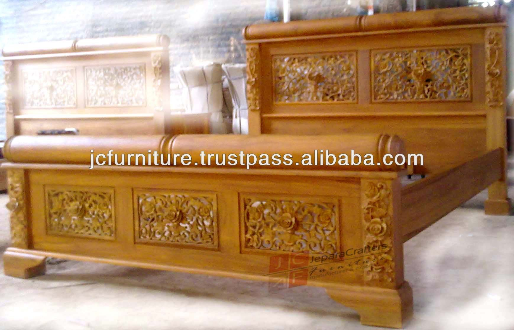 Solid Teak Wood Antique Hand Carved Bed Frame Jepara Indonesia Furniture