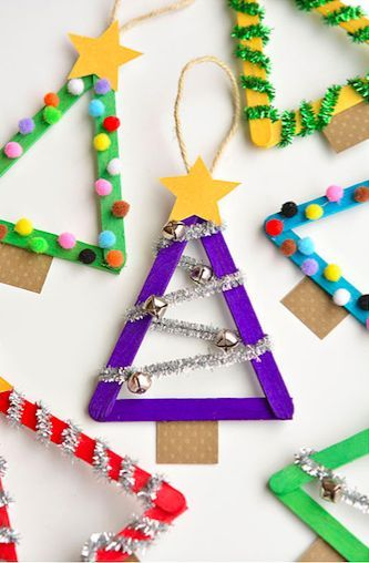 zelf maken met houten stokjes kerstboompjes kinderen