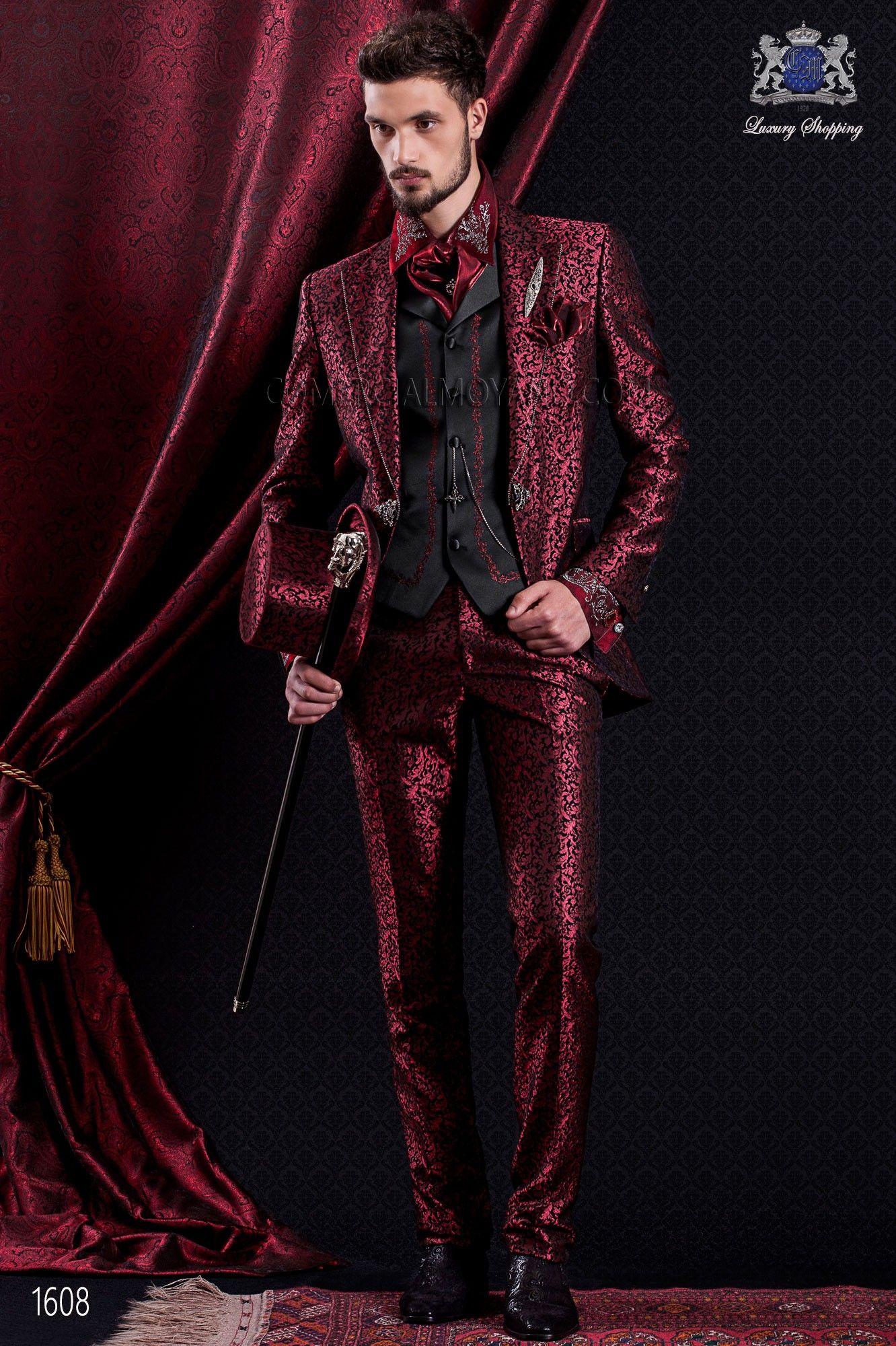 Traje de novio italiano de época barroco en color rojo y negro ...
