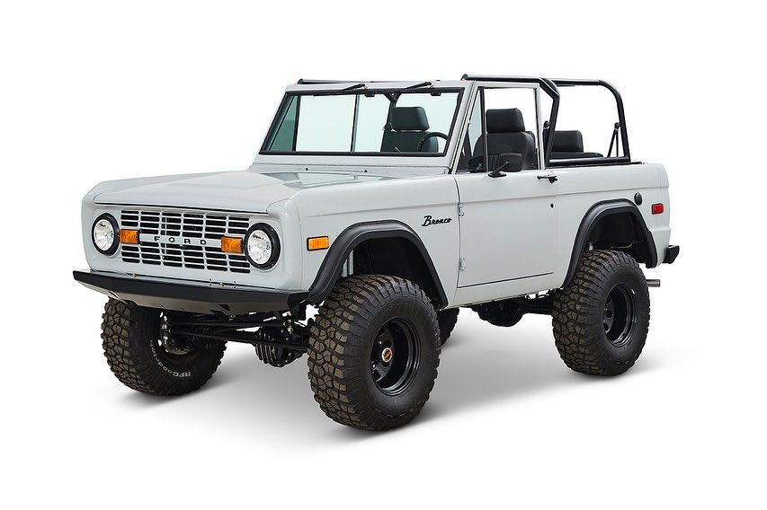 Pin By Jamie Matheson On Classic Broncos In 2020 Ford Bronco Classic Bronco Jeep Scout