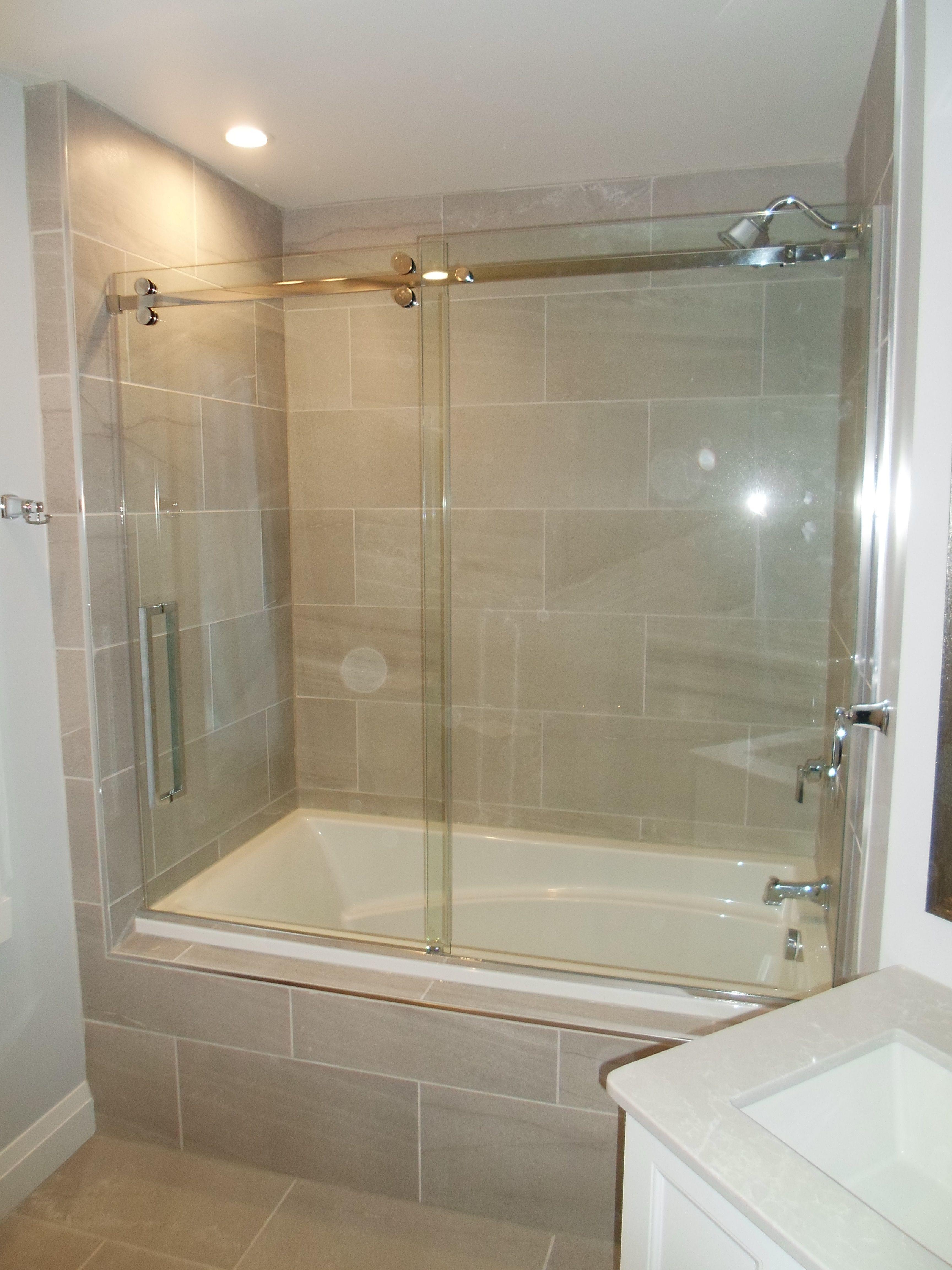 Attractive douche et baignoire dans salle de bain salles Baignoire pour petite salle de bain