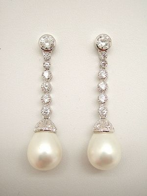 eeecb8b52f43 Pendientes de Novia Plata perla pera con chaton de circonitas in ...