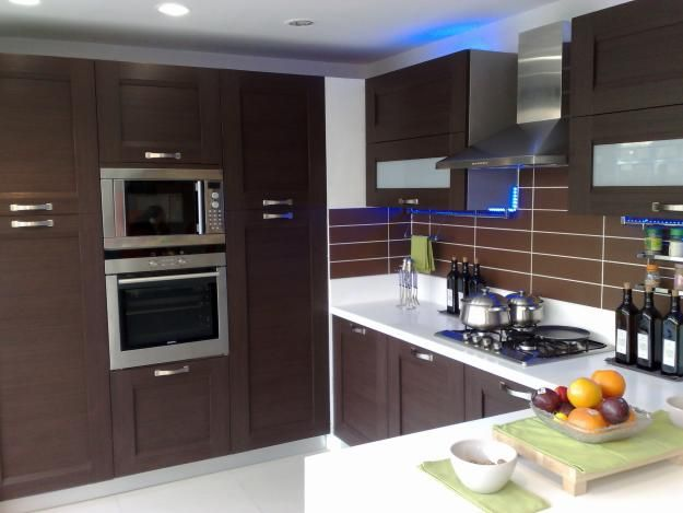 Pin By Shikha Aggarwal On Kitchen Decor Kitchen Arrangement Aluminum Kitchen Cabinets Design Your Kitchen
