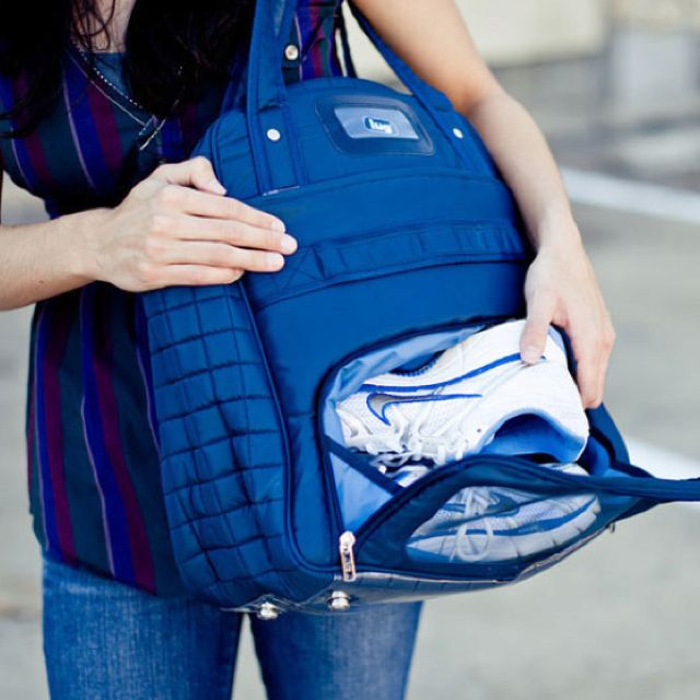This is so necessary! need for my workouts :)  http://www.luglife.com/Puddle-Jumper-Overnight-Gym-Bag?sc=18&category=3606#.TxZjuIl5mc3