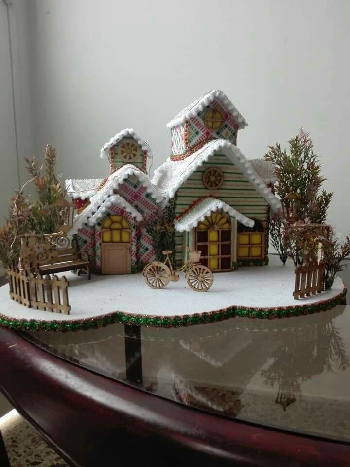 Mi Primera Villa Navidena Casas De Navidad Villa Navidena Casas De Carton Manualidades