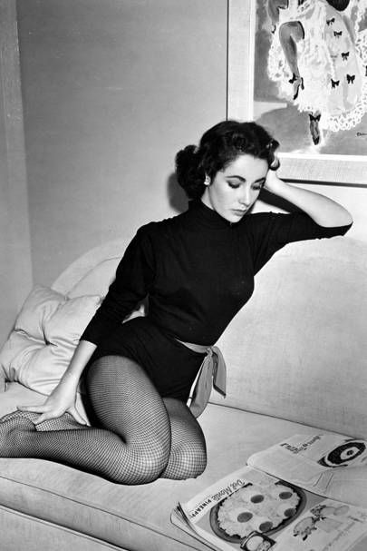 Elizabeth Taylor looking absollutely stunning