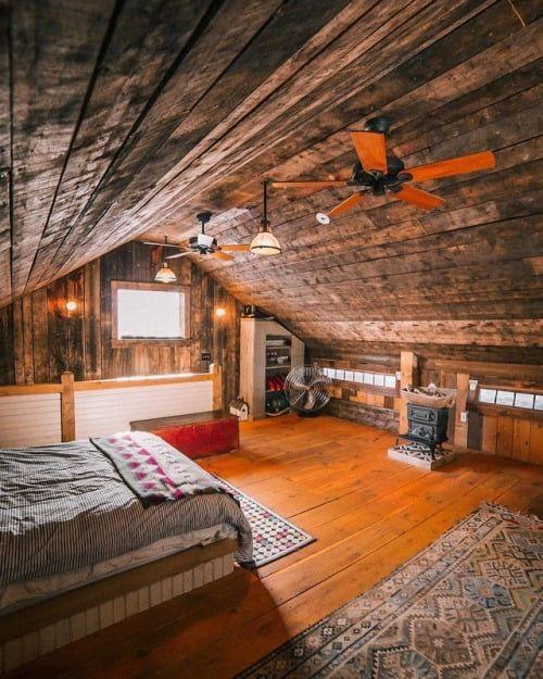 Cozy bedroom | Barn loft, Lofted barn cabin, Barn loft ...