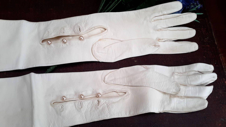 Ladies long vintage leather gloves - Ladies Long White Leather Gloves Wedding Or Party Gloves Kid Gloves 3 4 Length Vintage Leather Clothing 1960s