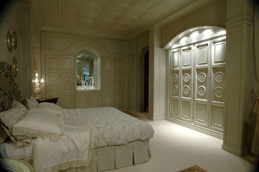 Camera Da Letto Con Boiserie : Camera da letto con boiserie e contro soffitto. casetta