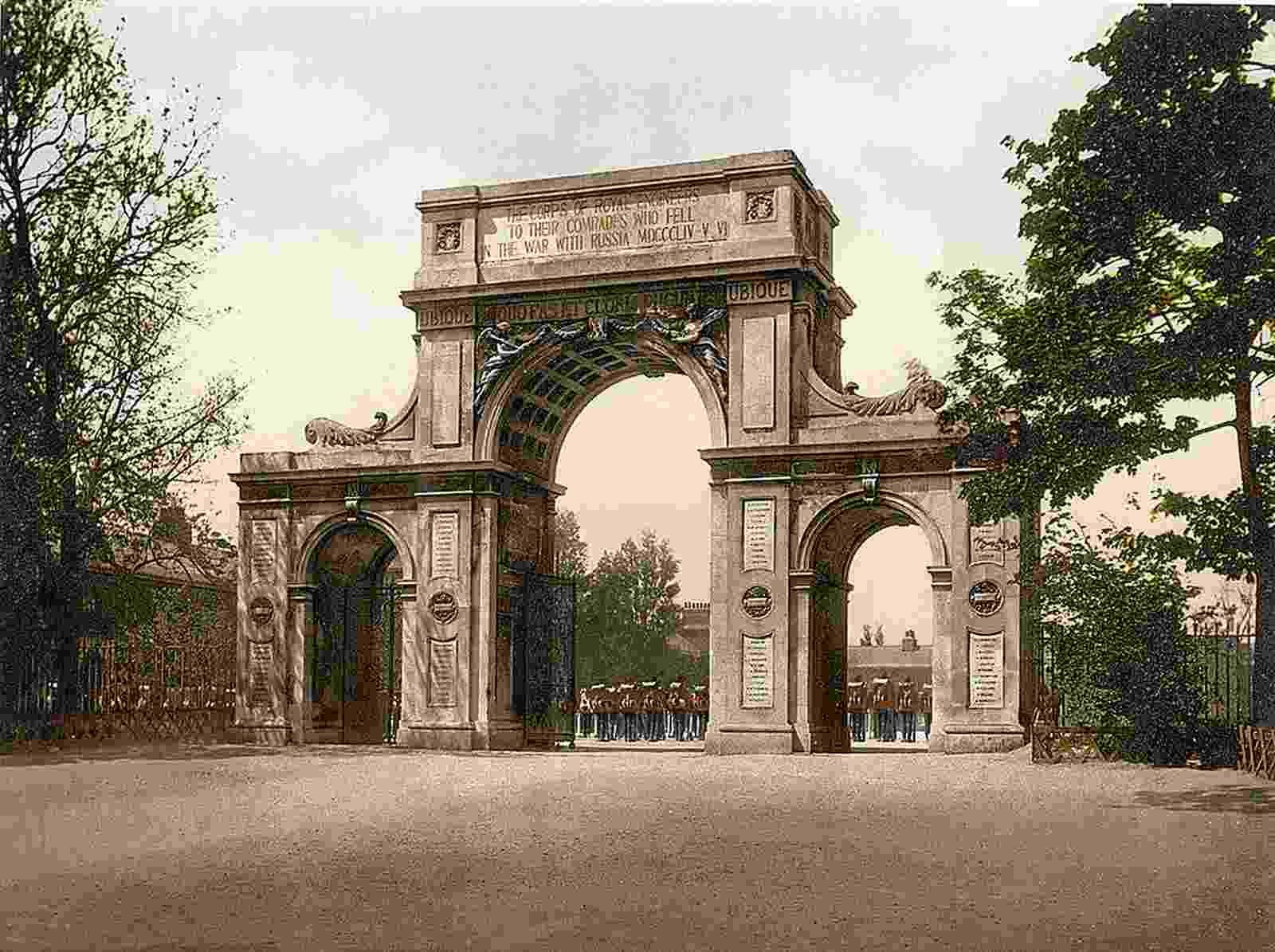 new to site Memorial Arch, New Brompton