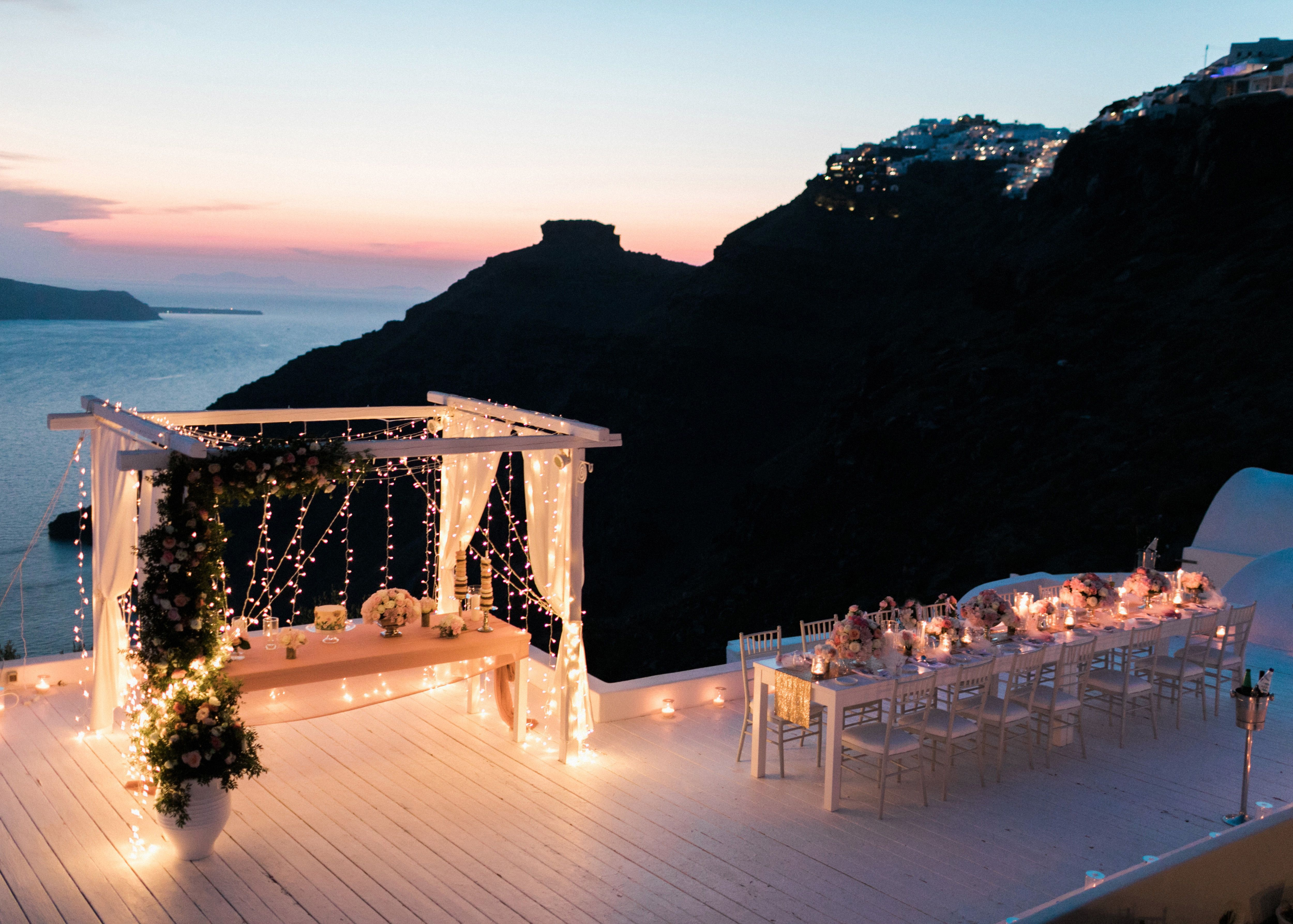 40 Romantic Beach Wedding Decorations With Images Night Beach