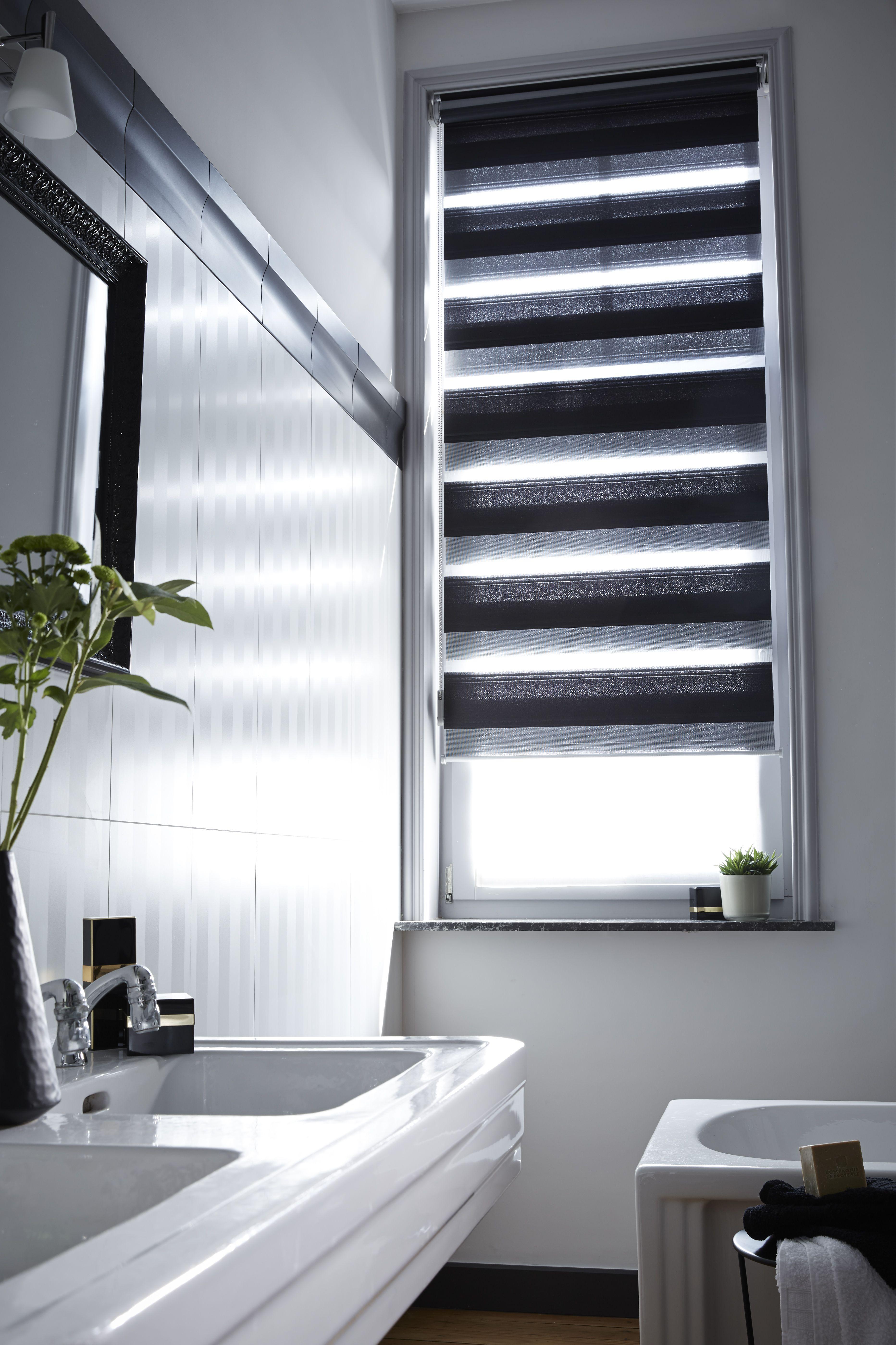 Chez vous en 2018 black white design contemporary pinterest rideaux stores et store - Store fenetre salle de bain ...