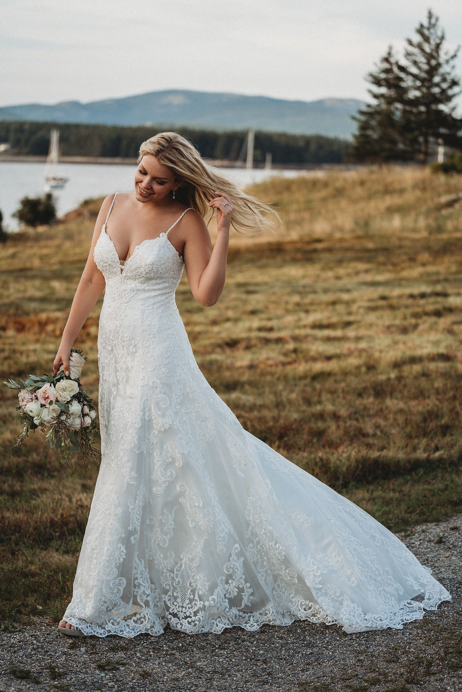 Plus Size Wedding Dress Sample Size 18 Inventory 2664 Dress Available At Bri Wedding Dress Silhouette Guide Allure Bridal Wedding Allure Wedding Dresses [ 2386 x 1591 Pixel ]
