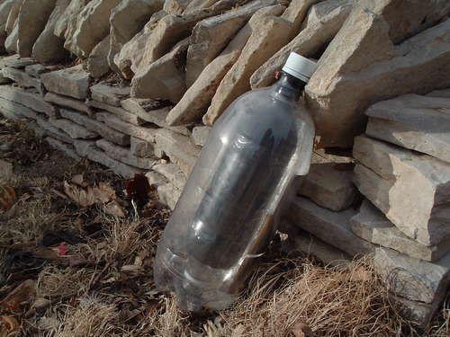 Solar Hot Water Kettle From Plastic Bottles And Glass With Images Solar Hot Water Water Kettle Plastic Bottles
