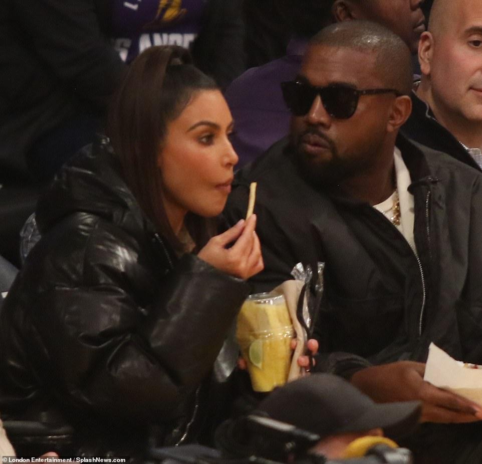 Kim Kardashian And Kanye West Head To Staples To Watch Khloe Ex Play Kim Kardashian And Kanye West Head In 2020 Kim Kardashian And Kanye Kanye West Kim Kardashian