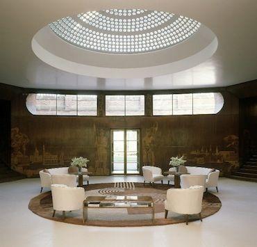 Art deco interior design on tv series poirot 39 s set for Art deco arredamento