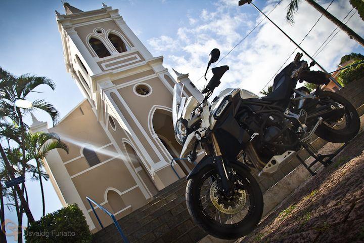 Uma moto por dia: Dia 221 – Triumph Tiger Explorer XC ABS #umamotopordia #osvaldofuriatto