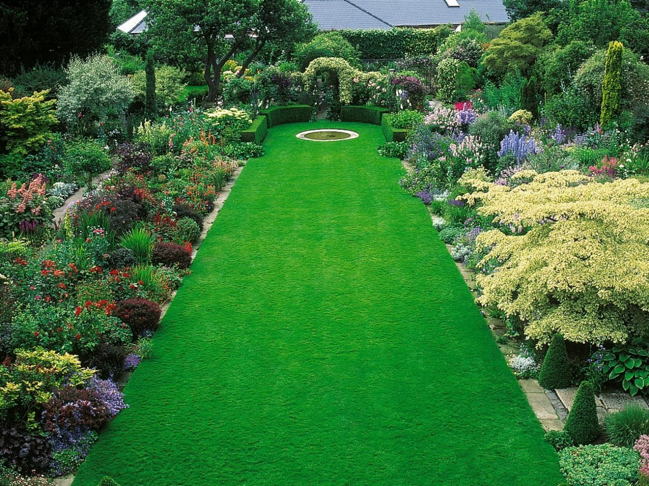 10 Big Garden Design Ideas Most Amazing And Also Lovely Low Maintenance Garden Design Garden Design Layout Landscaping Small Backyard Gardens