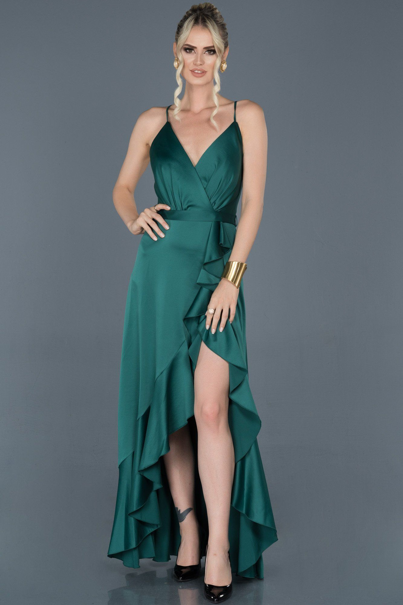 Yirtmacli Abiyeler Slit Dresses Panosundaki Pin