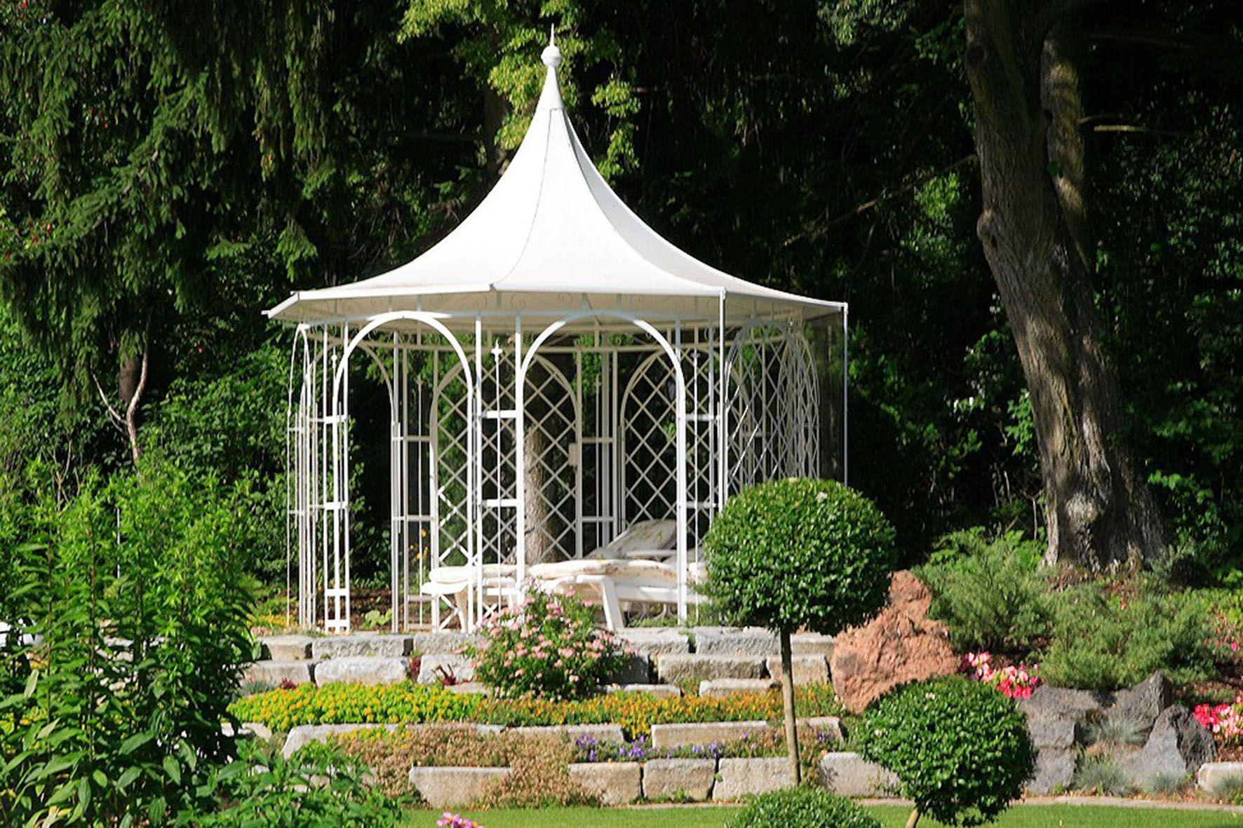 Pavillons Ein Hauch Grossburgerlicher Nostalgie Haus Und Garten Garten Garten Pavillon